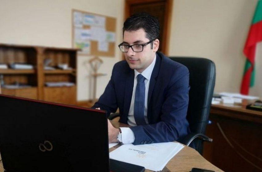 Атанас Пеканов: Въвеждането на еврото има и позитиви, и негативи