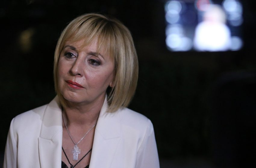 Манолова: С отказа да се насрочи извънредно заседание на НС се нарушава Конституцията