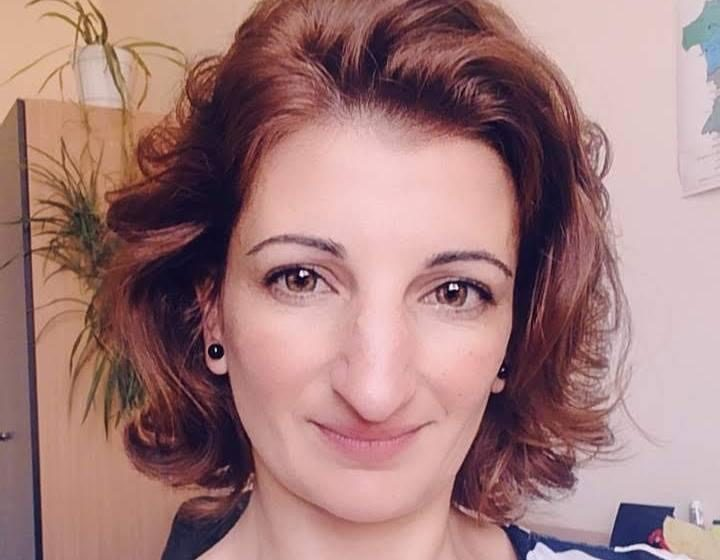 Кандидат-кметица бяга от интервю, но пуска жалби